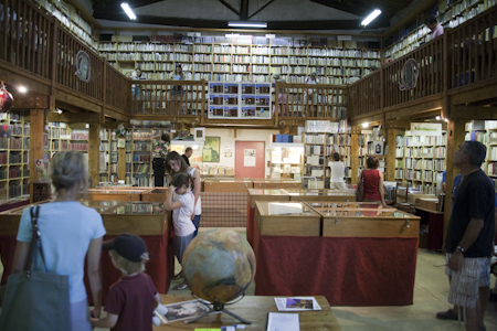 Beeindruckend: Librairie Ancienne, Le Somail, Dept. Aude