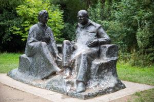 Europa hat ihm und den Briten viel zu verdanken! Winston Churchill mit seiner Frau Clementine auf dem Landsitz Chartwell in Kent.
