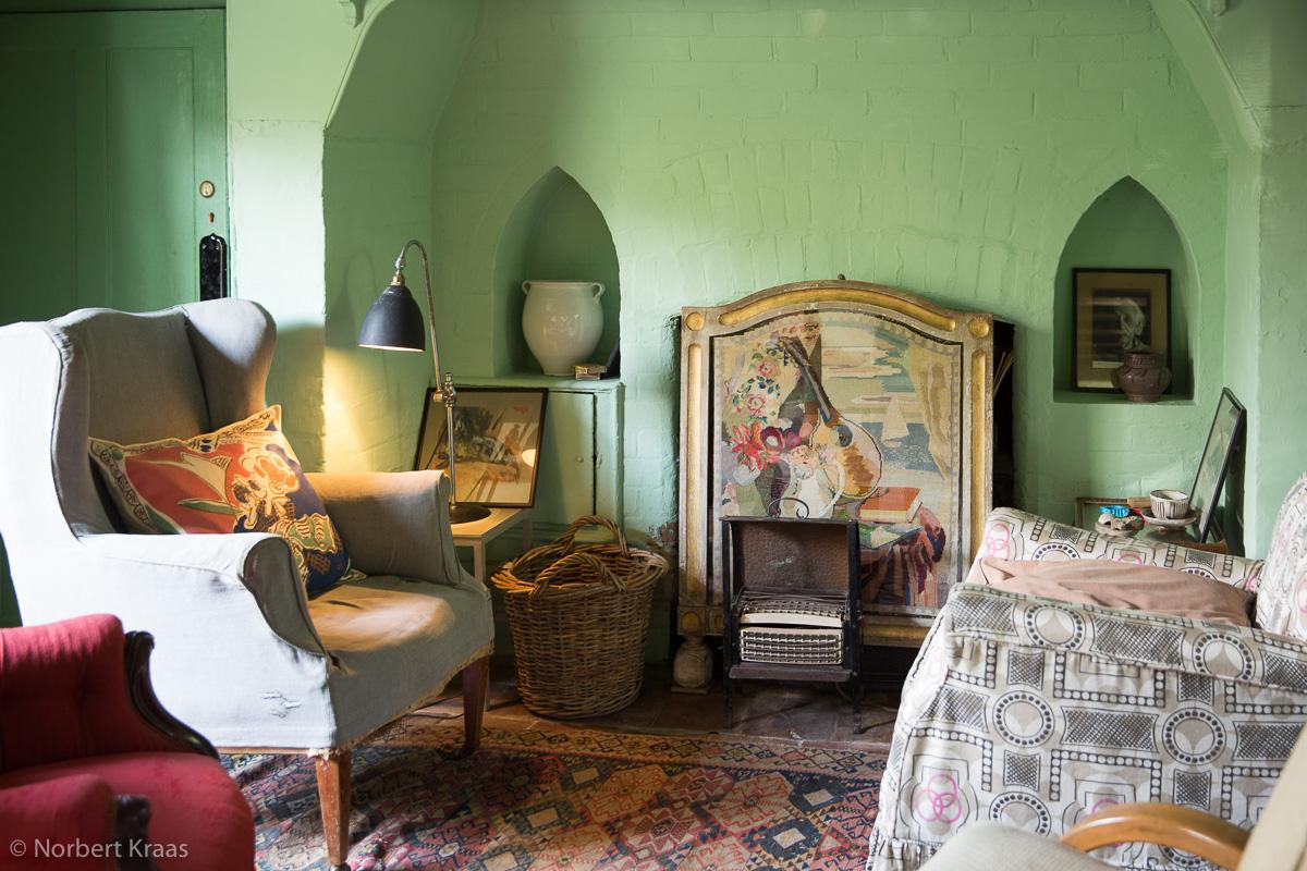 Der Grüne Salon, das Wohnimmer von Virginia und Leonard Woolf in Monk's House. Richtig warm wurde es dort selten.