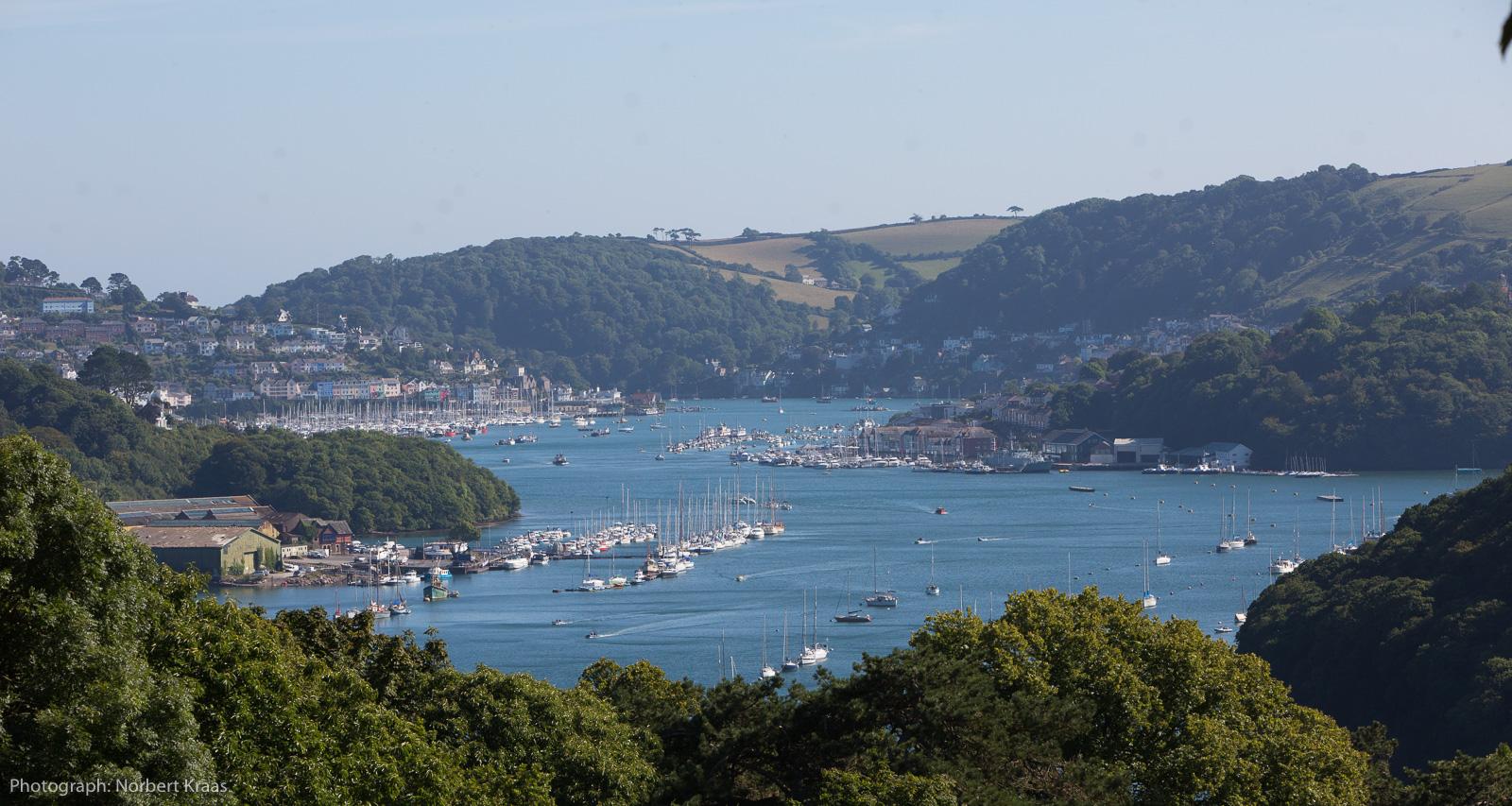 Paradies für Schwimmer und Segler: Mündung des Dart bei Dartmouth, Devon.