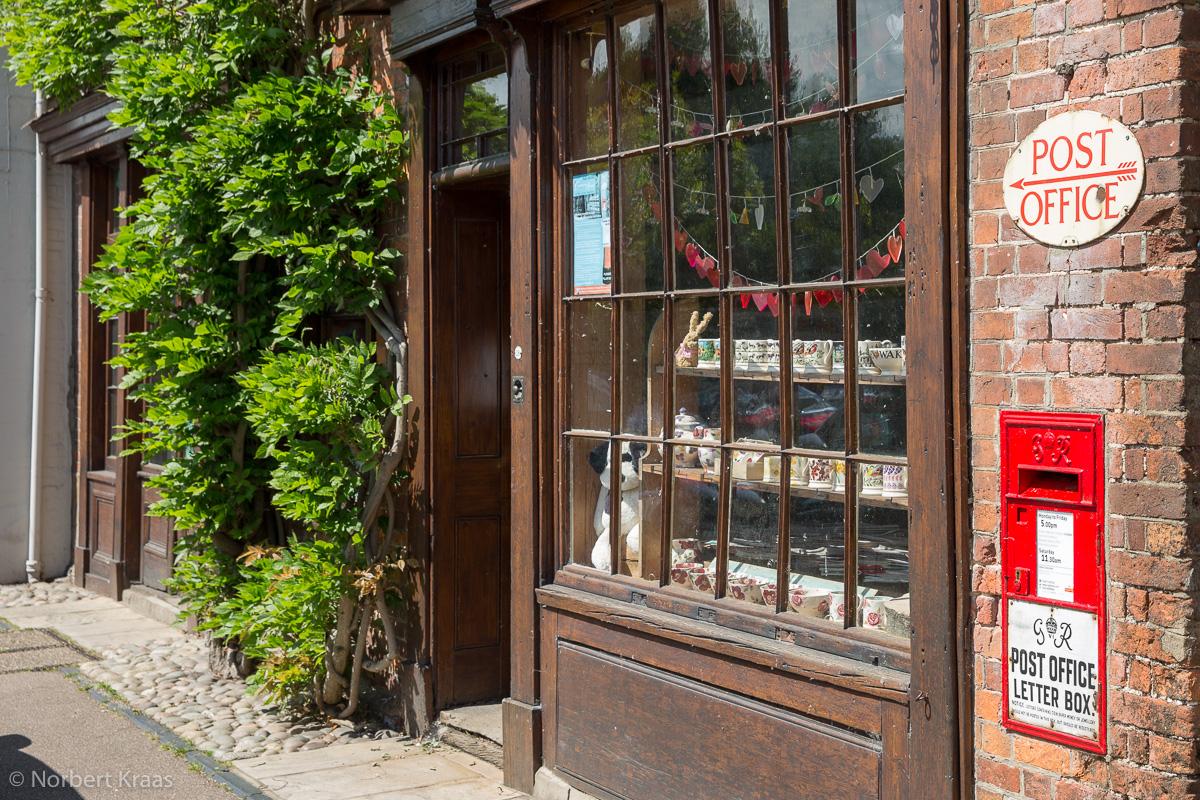 Very English II: Wie aus der Zeit gefallen, das Postamt in Nayland, Suffolk