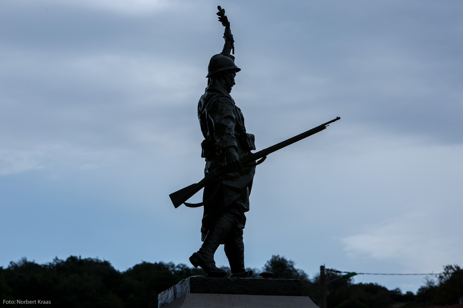 Auch ein Erbe der Gewalt: Denkmal für die Gefallenen des Ersten Weltkriegs in Ecussols im Burgund. Foto: Norbert Kraas