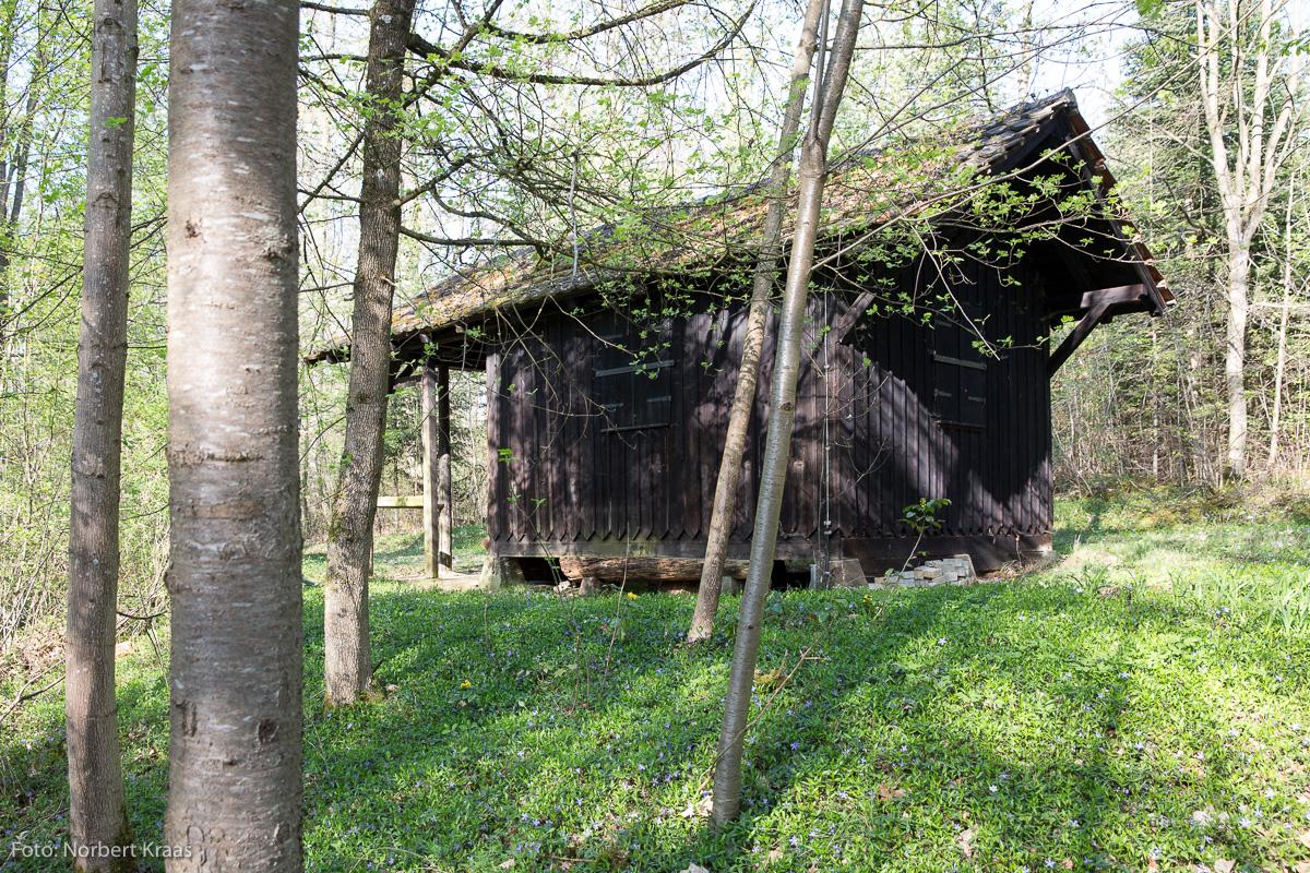 Gut erhalten und heute ein Paradies für Spinnen: Gärnterhütte im Professorengarten