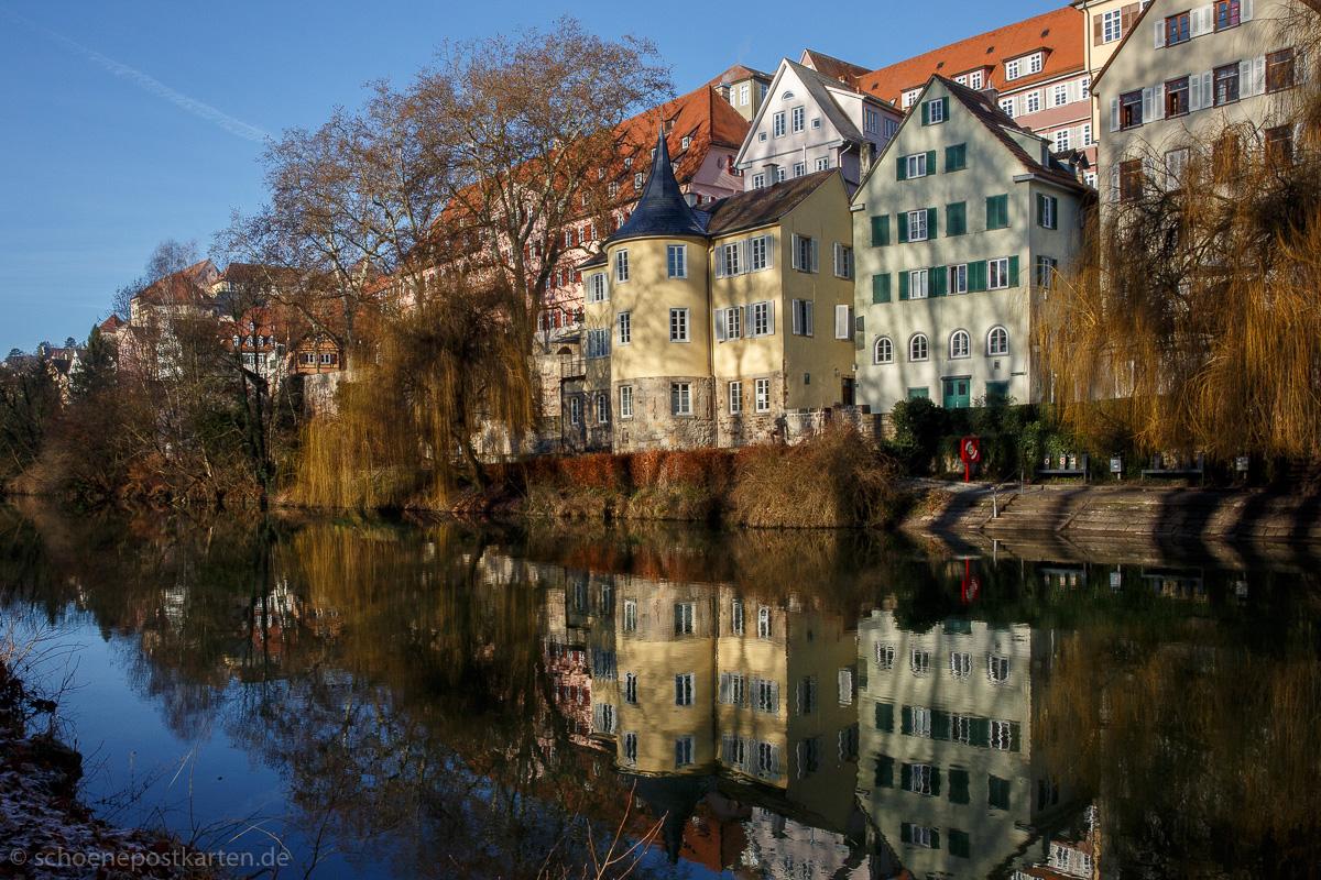 """Hier über dem gelben Fluß, beweinte er seine Liebe"" · Tatjana Kusowljewa: Tübingen, Turm"
