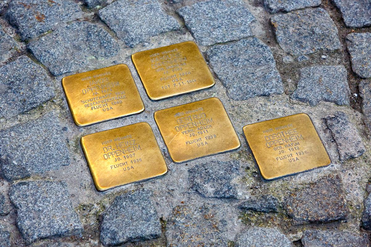 Stolpersteine in Tübingen, Ecke Holzmarkt / Neue Straße zum Gedenken an die Familie Oppenheim