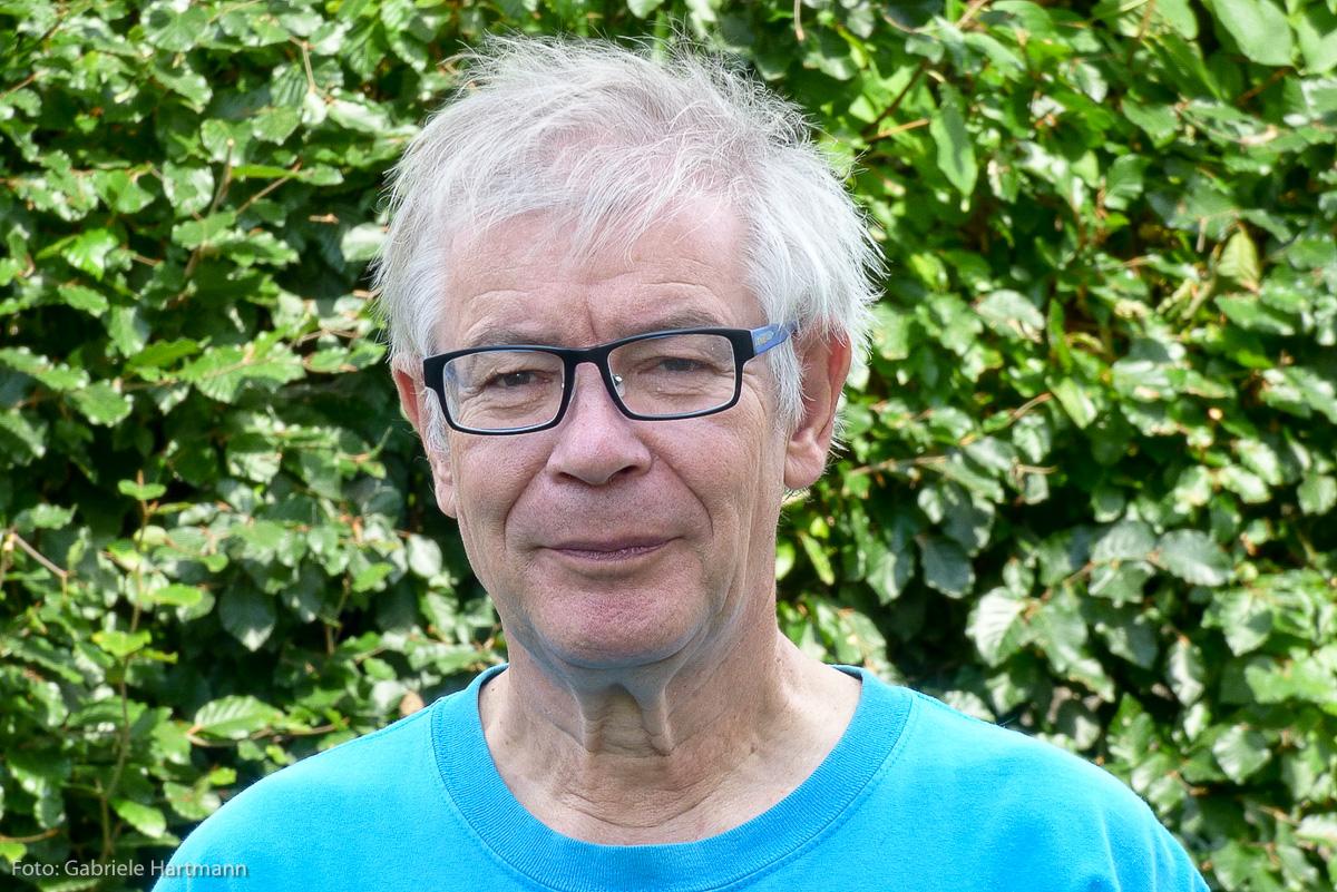 Georges Hartmann lebt und schreibt im Westerwald Haiku und Kurzprosa