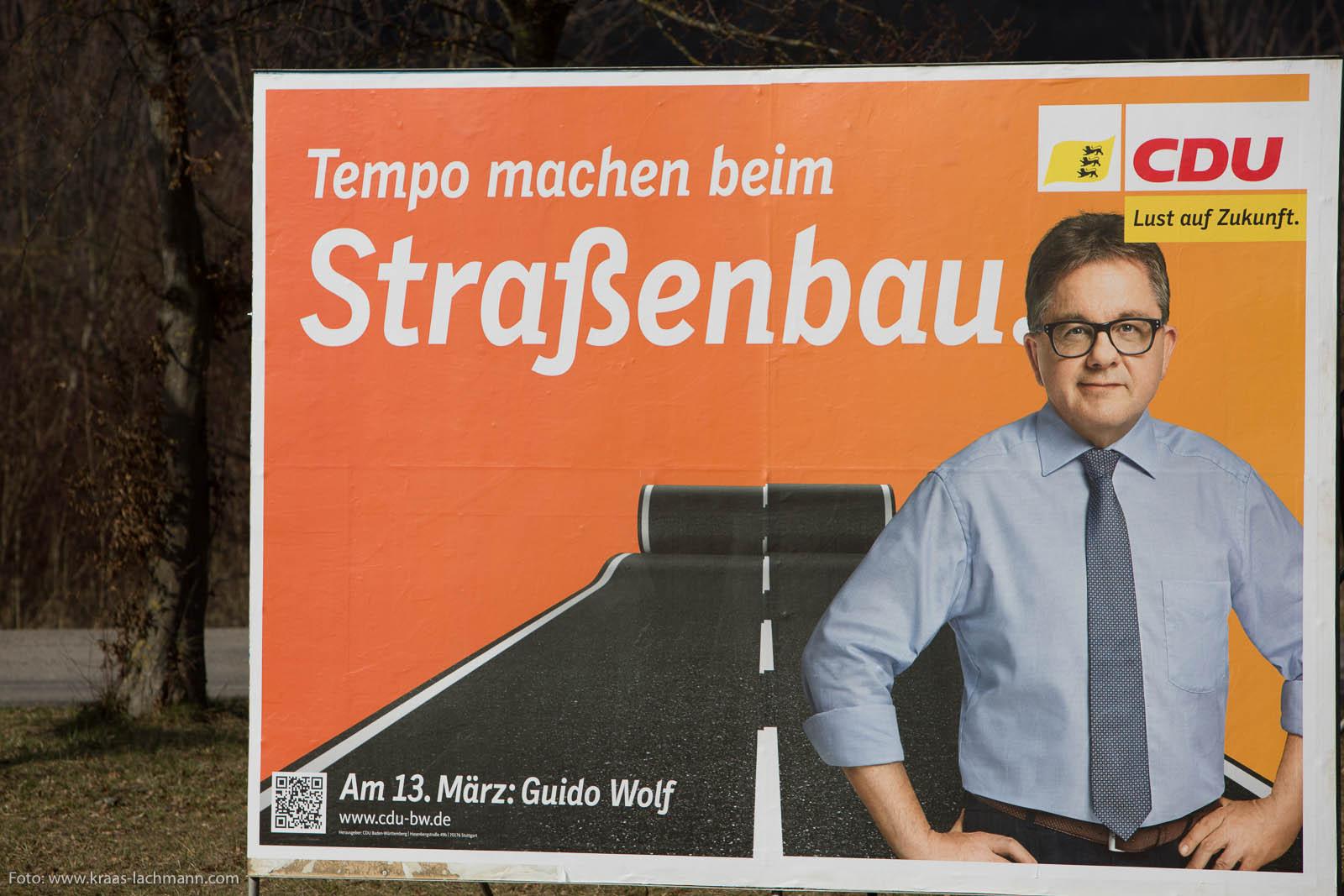 CDU-Spitzenkandidat baut Straßen.